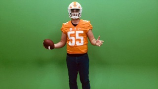 2021 Tennessee OL Eli Sutton Excited To Camp At Notre Dame
